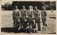 House of David base ball team at game in Salem, Oregon